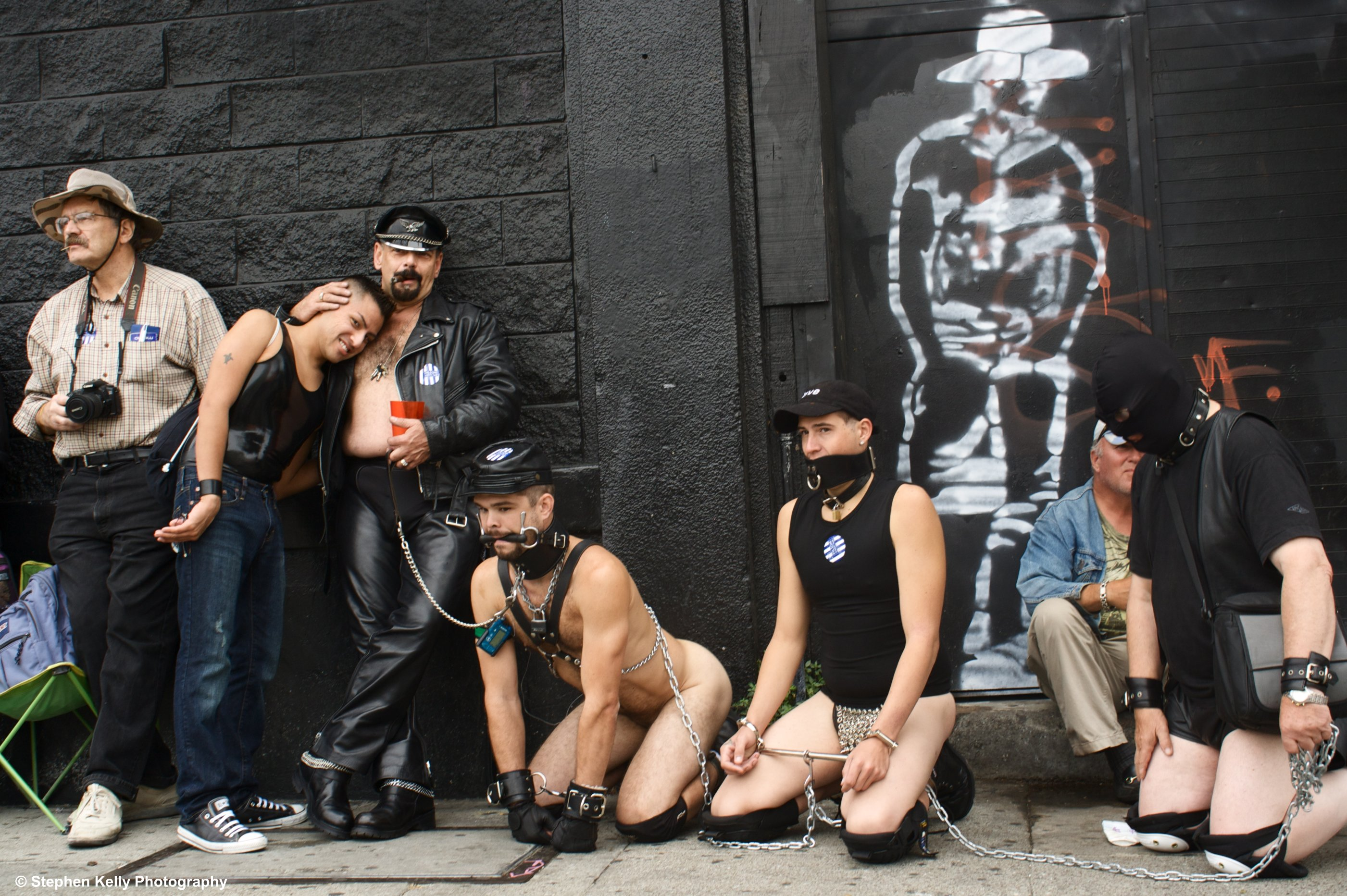 http://san-francisco-hostel.com/sites/default/files/folsom-street-fair-san-francisco-california.jpg